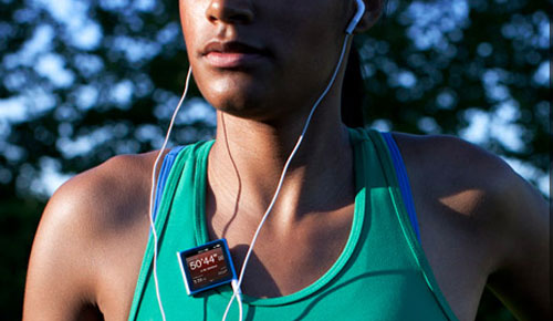 apple_ipod_nano_music_player_cute_colors_front_center_sexy_teen_model_running_training_dandy_gadget_portable_media