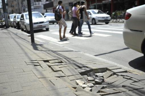 Campanha calçada cilada em Santa Catarina. Quem abraça?