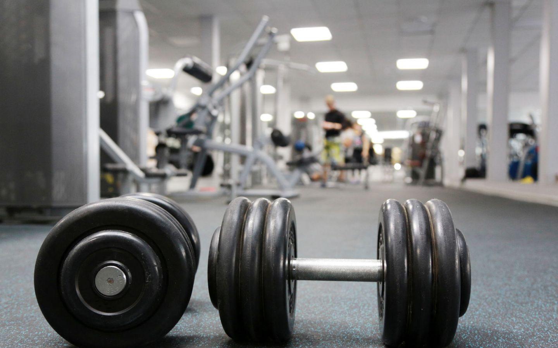 Corrida e fortalecimento de membros superiores e tronco
