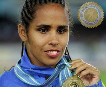 Maior medalhista paralímpica do Brasil, Ádria Santos agora é paraciclista e corredora de rua