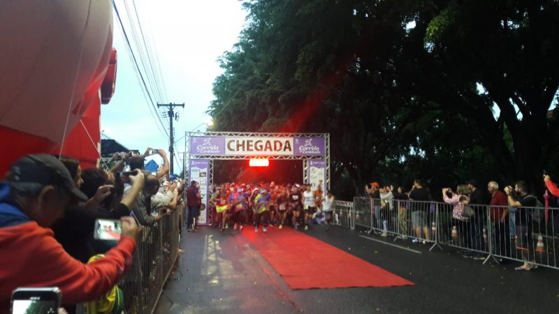 Corrida Maio Roxo reúne mais de 1 mil corredores em Joinville
