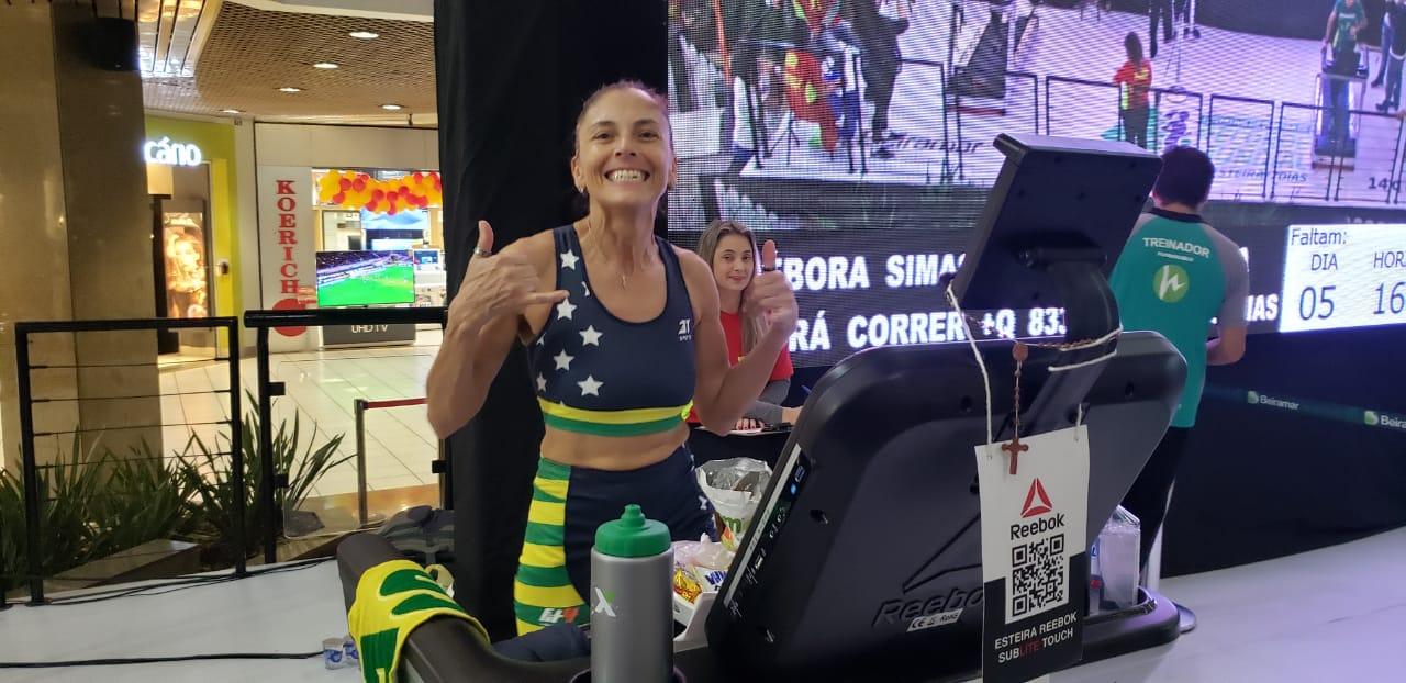 Diário de bordo – Débora Simas e a tentativa da quebra de recorde mundial de corrida em esteira por 7 dias