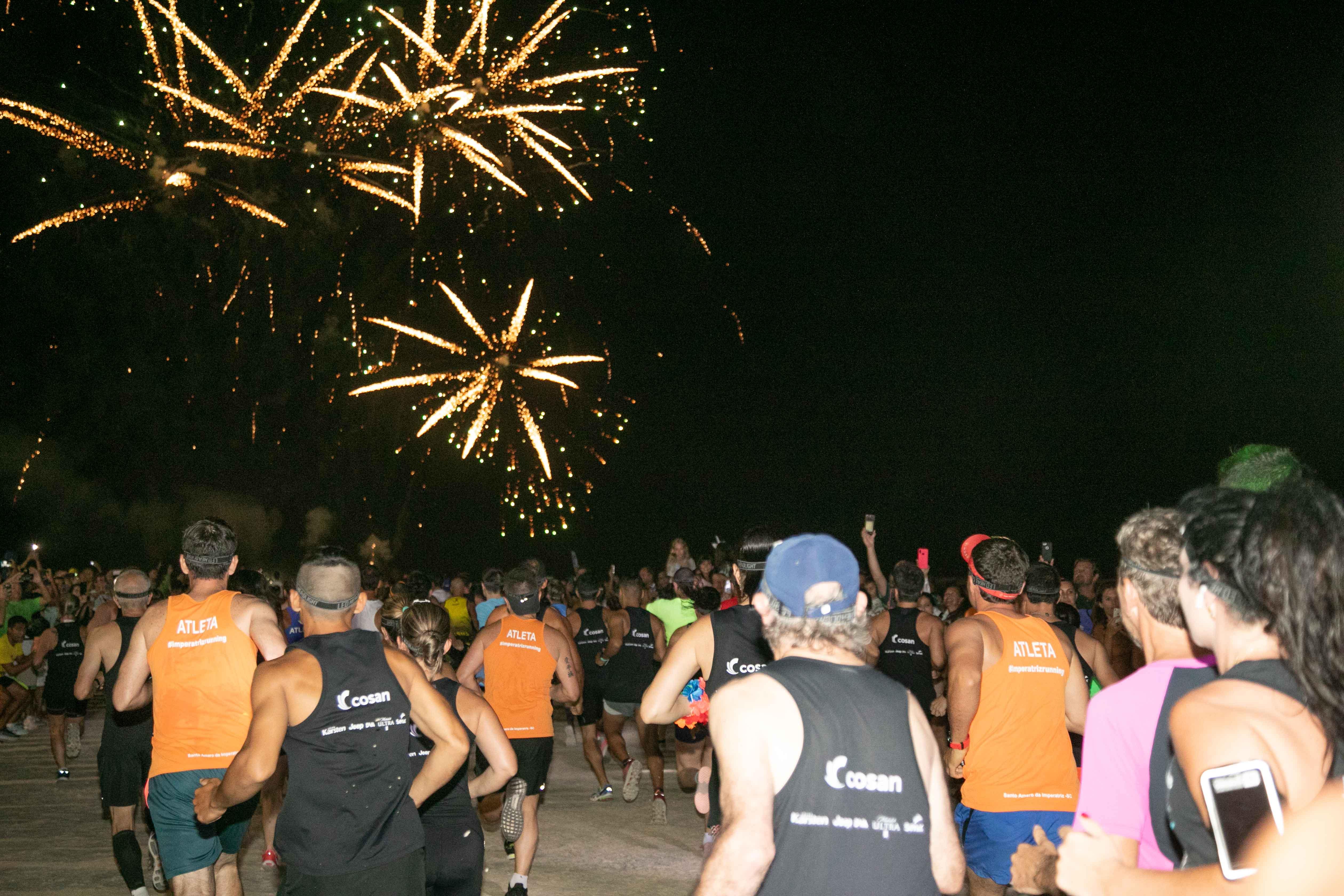 Em clima de Rock'n Roll, Night Run Costão do Santinho reúne 2 mil atletas em Florianópolis