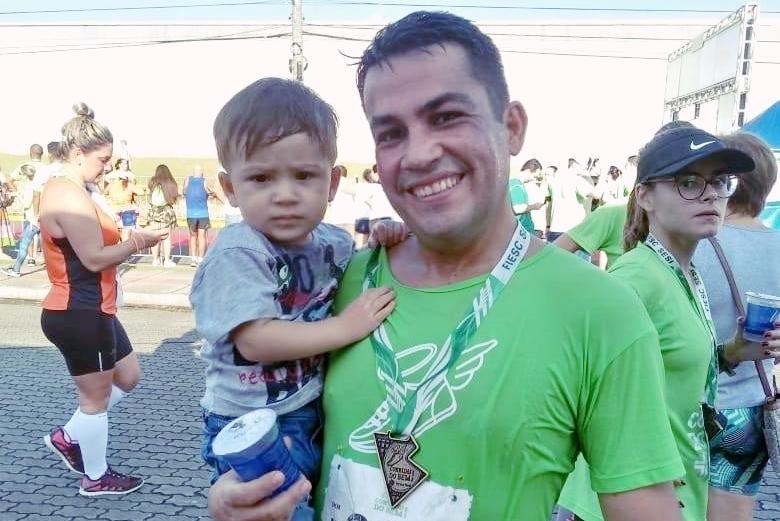O Representante Comercial Irineu Roberto superou o câncer e perdeu peso com a corrida de rua